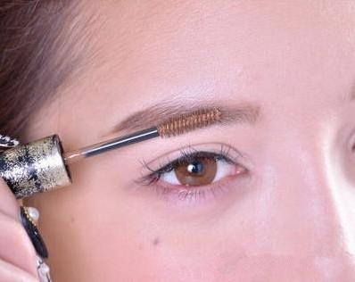 妆容 教你韩系平眉的画法图片
