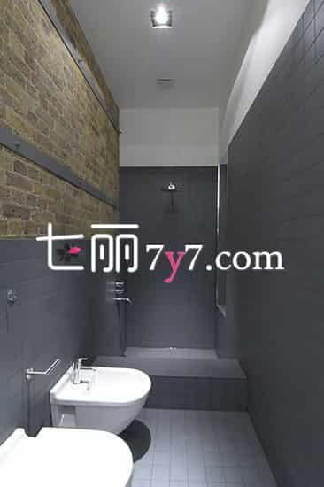 现代黑白灰卫浴间装修 给你炫酷简约风设计概念