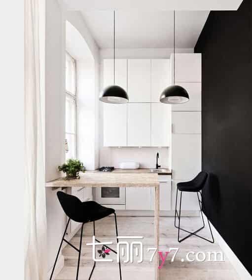 29小户型整体装修效果图 小户型的房子已成为很多人的首选,大部分人都认为,房子不求太大,只要温馨就行,这就需要有完美的装修设计,就像这款只有29平米小户型,经过设计师的精心设计,客厅、厨房、餐厅、卧室以及书房都应有尽有,所以在横向面积不够的时候,这家主人将心思动到了纵向空间,在半空中设计一个小隔间,瞬间就让各个功能都有了安身之所。