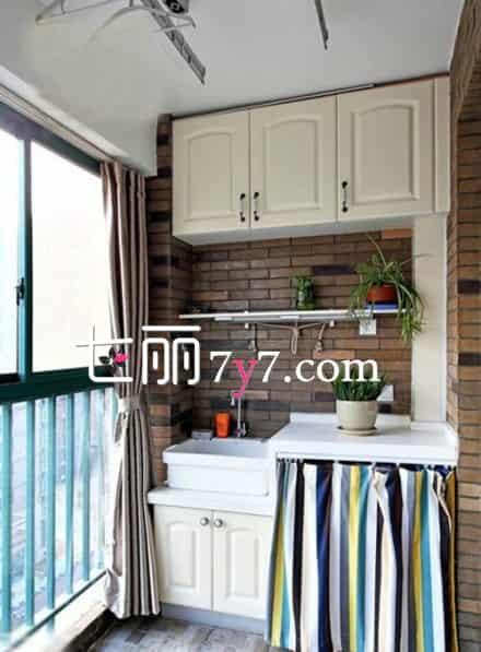 家庭封闭阳台装修 落地窗设计采光更好