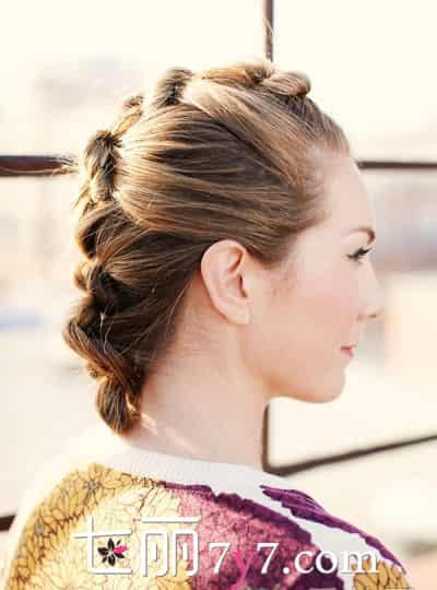 发型一直都深得女孩子的心,没有女生不喜欢时尚和气质全有的盘发发型图片