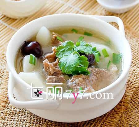 女人滋阴补肾需喝汤 三款秋季养生汤食谱