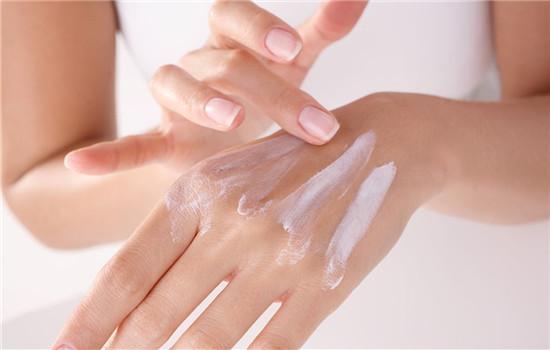 手干裂是什么原因,手干裂的原因,手干裂怎么回事