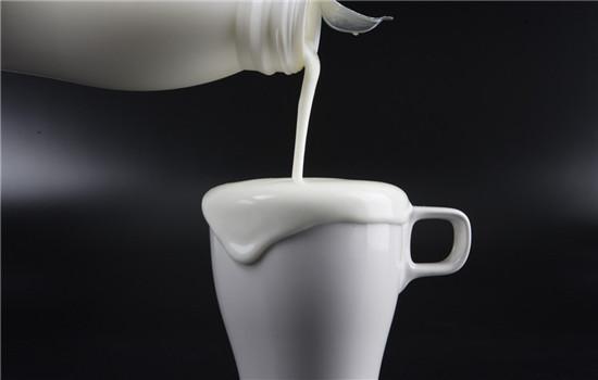 牛奶洗脸的坏处,牛奶洗脸有什么坏处,牛奶洗脸副作用