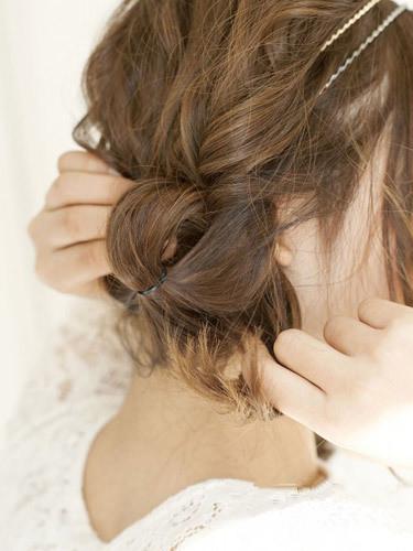 两个辫子怎么编好看,辫子发型扎法图解,辫子发型扎法