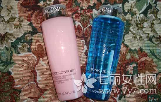 兰蔻粉水和蓝水的区别,兰蔻粉水与蓝水的区别,兰蔻粉水蓝水区别