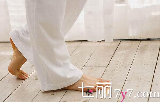 脚上起水泡怎么办,脚上起水泡很痒怎么办,脚上长水泡怎么办