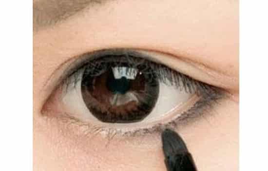 眼线膏的画法步骤图 简单四步打造迷人大眼睛