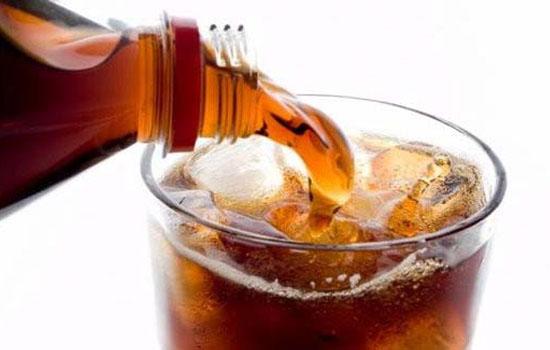 经常喝碳酸饮料的危害,碳酸饮料的危害杀精子,喝多了碳酸饮料会怎图片