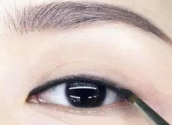眼线的画法步骤图,眼线的画法步骤图片