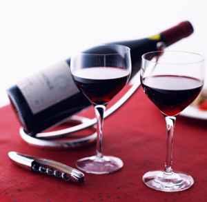 喝酒的好处有哪些 适度饮酒神奇的好处