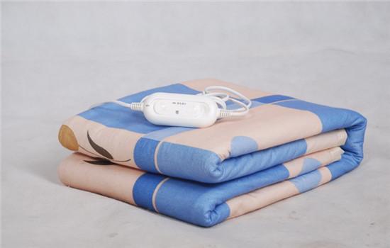 爱养生:电热毯的危害大不大,经常用电热毯危害大吗,使用电热毯的危害
