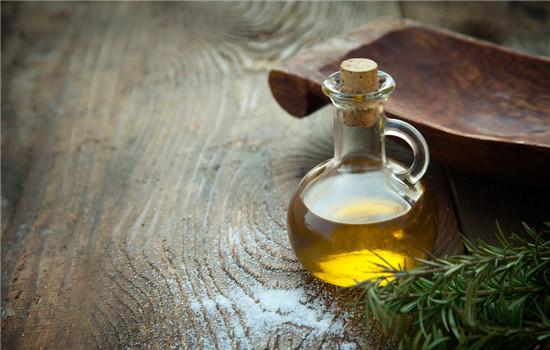 橄榄油对皮肤有什么好处,橄榄油对皮肤有什么作用,橄榄油对皮肤的作用
