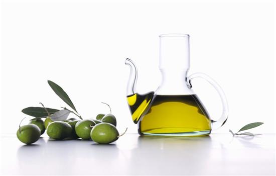 橄榄油可以去黑头吗,橄榄油可以祛黑头吗,橄榄油能去黑头吗