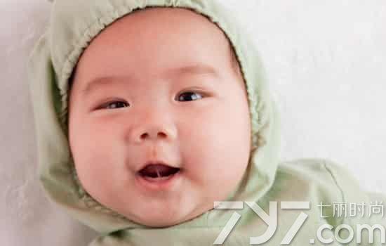 舌系带短的宝宝有什么症状,宝宝舌系带短的症状,宝宝舌系带短如何