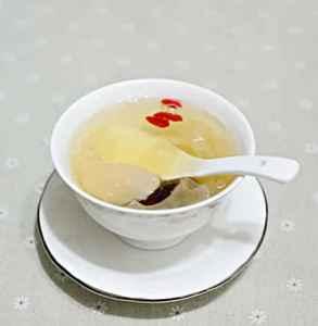 冰糖雪梨热吃还是凉吃 最好是趁热食用