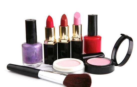 化妆品可以带上飞机吗,飞机上可以带化妆品吗,坐飞机