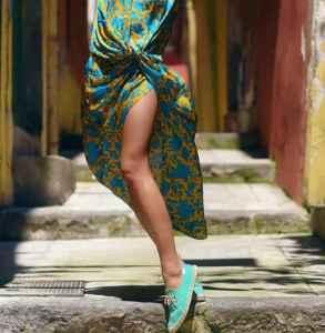 帆布鞋搭配这些衣服  时髦有腔调就是你的代名词