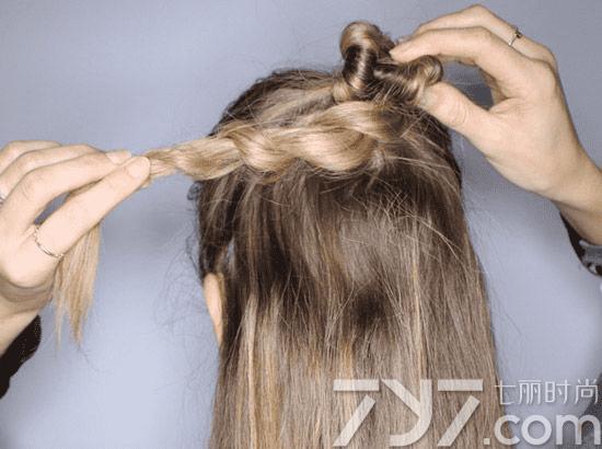 长发半丸子头扎法图解,长发半丸子头扎法步骤图解,长发半丸子头教
