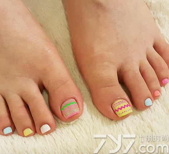 显白脚趾甲图片2016,显白的脚美甲图片,脚指甲美甲图片显白