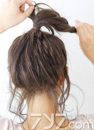 自己扎头发简单好看的步骤