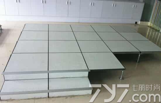 防静电地板怎么清洁,防静电地板清洗图片