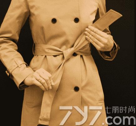 风衣后面腰带系法图解_风衣后面的带系法