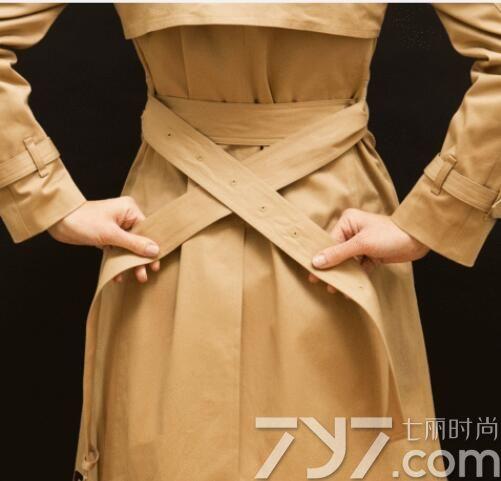 风衣腰带系法图解 简单易学的腰带系法还不快get