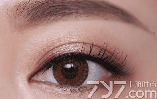 【图】秋冬职场眼妆教程 OL职场女性必备秋冬眼妆