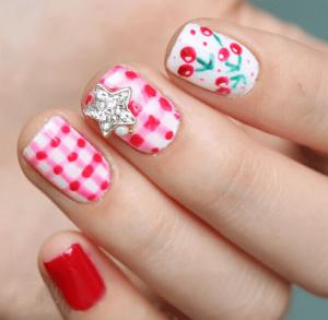 手繪櫻桃美甲教程 粉紅格子搭配手繪櫻桃