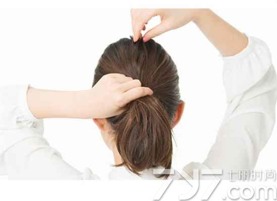 中短发扎发发型步骤图