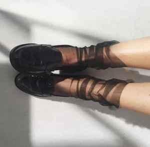鞋子配袜子 层次丰富起来吧