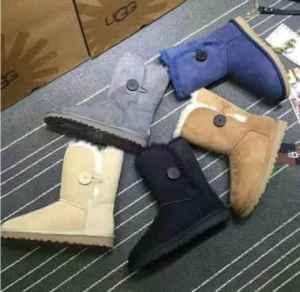 雪地靴买大还是买小? 中筒、短筒哪个更好?