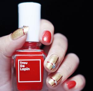 线条撞色美甲教程 冬季金红撞色更显质感