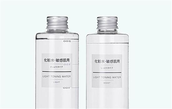 冬季怎样给皮肤补水最好,冬季如何给皮肤补水保湿,冬天怎样给皮肤补水效果最好
