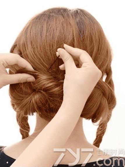 盘头发简单好看的步骤