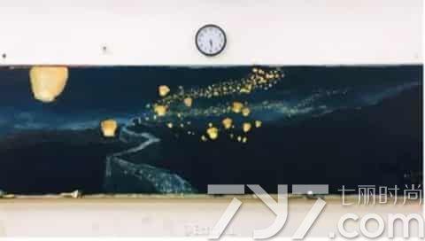 高二女生楊童婳手繪黑板報走紅 高顏值酷似劉亦菲陳都靈