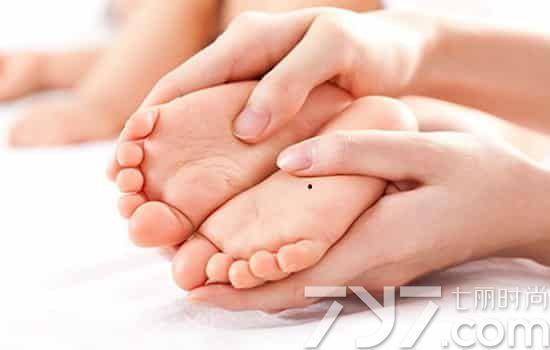 女人脚底有痣好不好,女人脚底有痣全图解法