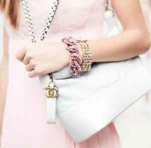 Chanel 推出年轻化 Gabrielle 春季手袋系列