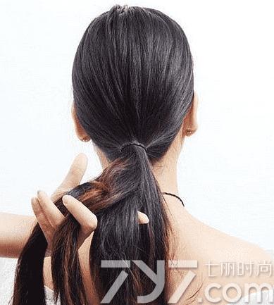 女生盘发发型扎法步骤,女生盘头发发型步骤,女生盘发图片