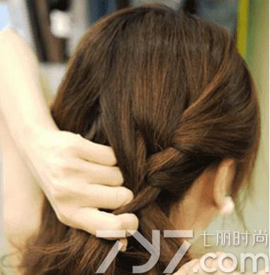 短发盘头发简单好看的步骤