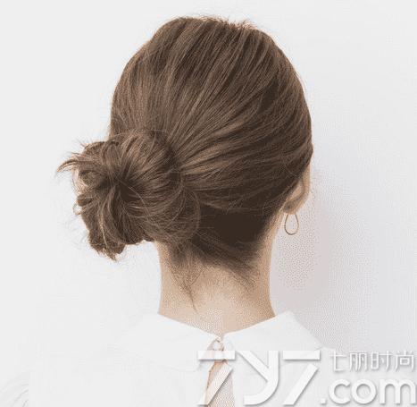 美容 美发 中短发  中短发丸子头效果图    发型点评:中短发夏季留