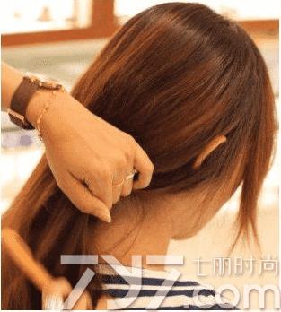 盘头发的方法,半盘发半披发型扎法,半盘发图片 - 七丽