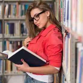 怎么看待大学生同居 八成以上大学生持包容态度
