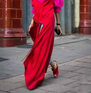 红色鞋子怎么搭配衣裤  穿搭小技巧get起来