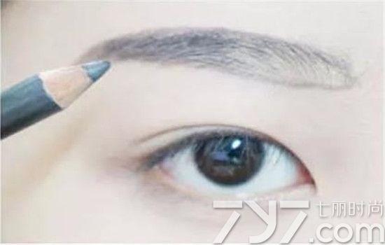 眉笔怎样用 眉笔五步画眉毛