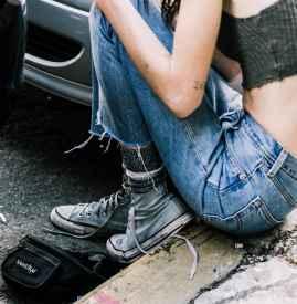 帆布鞋街拍 越脏越旧越时髦