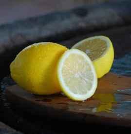 柠檬可以去狐臭吗 夏日推荐柠檬治狐臭的偏方