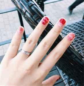 秋季美甲图片红色 做精致小女人