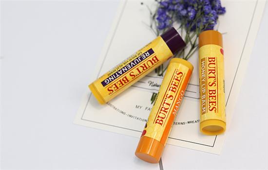 小蜜蜂唇膏生产日期怎么看 Burt's bees生产日期的正确解读